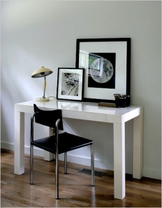 The very clean Parsons Desk from West Elm(Source: pinterest.com)